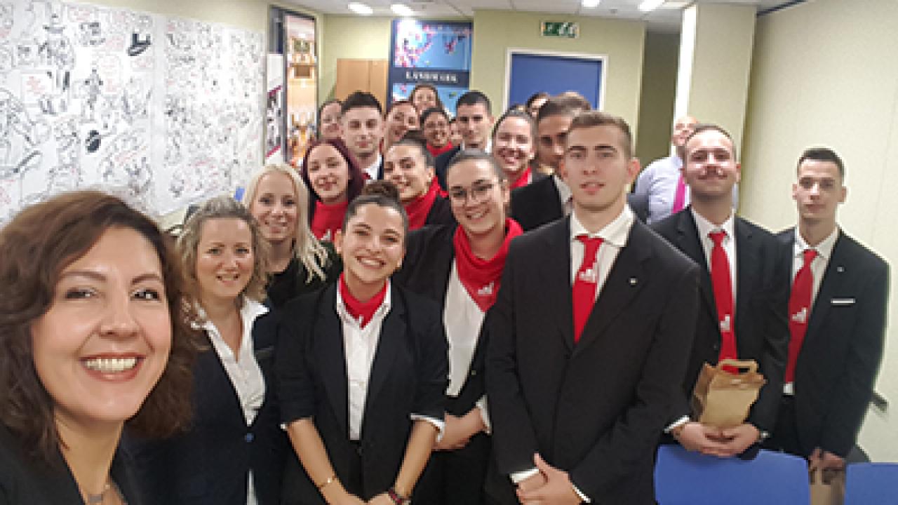 Φοιτητές του τμήματος Διοίκησης Ξενοδοχειακών Επιχειρήσεων στο ξενοδοχείο Hilton