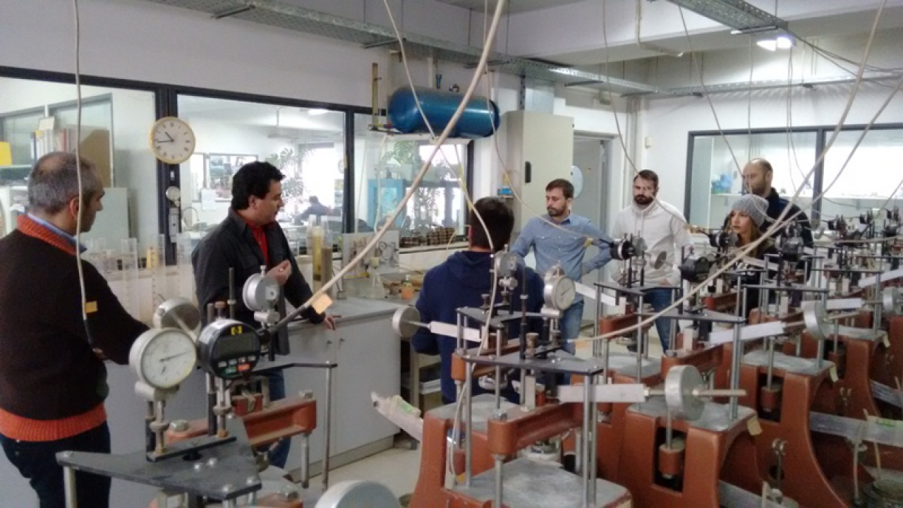 Civil Engineering students visit the Quality Control Lab of technical company EDAFOMICHANIKI