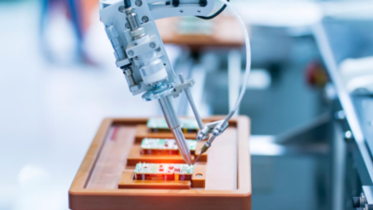 Πρωτότυπες ρομποτικές μηχανές από τους φοιτητές των Τμημάτων Ηλεκτρολογών και Μηχανολόγων Μηχανικών του Μητροπολιτικού Κολλεγίου